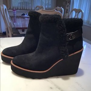 Blk Wedge Boots